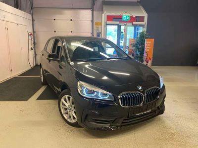 käytetty BMW 225 Active Tourer F45 225xe A Business Luxury ** Navi / Tutkat / LED / Bluetooth / ConnectedDrive / Seis