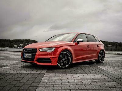 käytetty Audi S3 Sportback 2,0 TFSI 221 kW quattro S tronic, B&O, Adap.vak, adap. Led, Feinnappa, MMI, Black opt.