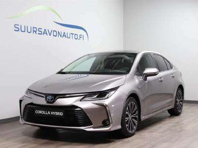 käytetty Toyota Corolla Sedan 1,8 Hybrid Style **TÄYDELLISESTI VARUSTELTU STYLE**