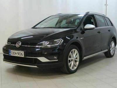 käytetty VW Golf Alltrack Variant 2,0 TDI 110 4wd DSG **NELIVETO HYVILLÄ VARUSTEILLA**
