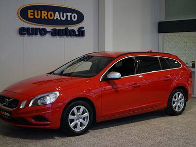 "käytetty Volvo V60 D4 R-Design, MAKEE SPORTTIFARKKU, VAIN 250€/kk, 18"" ALUT, NAHAT, URHEILUISTUIMET, BLUETOOTH, CRUISE,"