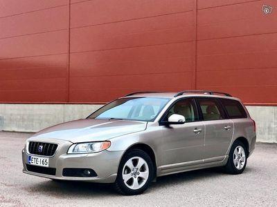 käytetty Volvo V70 2,5 Bensa Turbo 200hv, Automaatti Moment