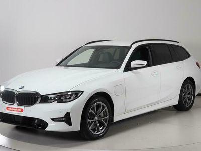 käytetty BMW 330e 3-sarja 3-sarja G21 TouringxDrive A Charged Edition Sport - Tähän autoon tarjolla Automessu-tarjouksia!