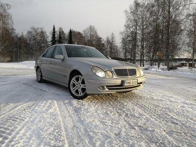 käytetty Mercedes V200 E 320 W211
