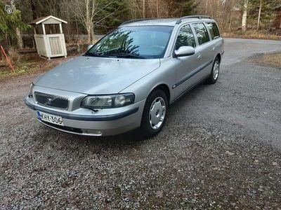 käytetty Volvo V70 2,4 2003(9/02)