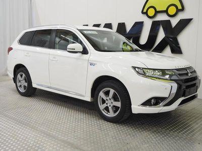 käytetty Mitsubishi Outlander P-HEV 4WD / FACELIFT / KEYLESS / KAMERA / TUTKAT ETEEN JA TAAKSE / VETOKOUKKU
