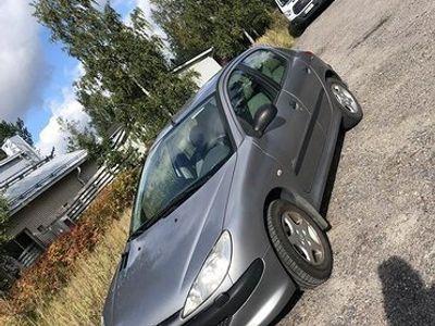 käytetty Peugeot 206 1.4 bensa manuaali