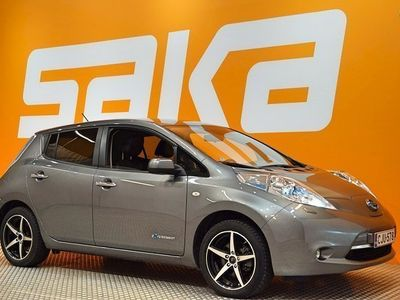 käytetty Nissan Leaf Tekna Solar Leather 6,6 kW charger ### NORMAL FRIDAY -hinta! ### ** Suomiauto / NAVI / BOSE / Nahkas