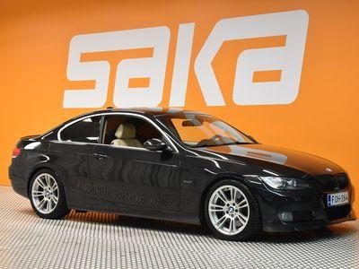 käytetty BMW 335 335 d Coupé (AD) 2ov 2990cm3 A ** Navigaattori / Dynamic Xenon / Vaalea nahkasisusta **