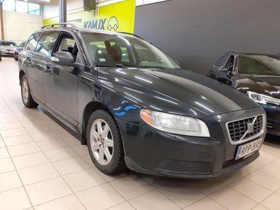 käytetty Volvo V70 2,4D Kinetic aut / Polttoainelisä lämm. kellolla / Puolinahat / Kattokaiteet