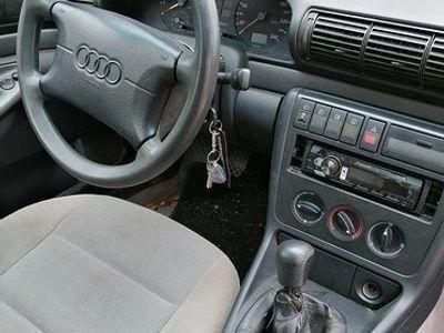 käytetty Audi A4 2.6 v6 nopeasti toimiva ja leimallinen