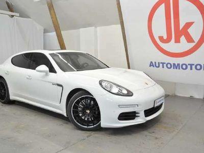 käytetty Porsche Panamera VALKOMUSTA UNELMA-AUTO