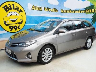 käytetty Toyota Auris 1.8 Hybrid Touring Sports Premium ** NAVI / P. KAMERA / BI-XENON / JUURI HUOLLETTU ** - *HULLUT AUTOMARKKINAT!!!*