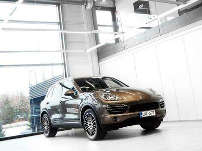 käytetty Porsche Cayenne Diesel Neliveto Aut + Nahat + Navi +Tutkat + Vetokoukku