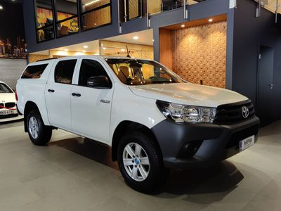 käytetty Toyota HiLux Double Cab 2,4 D-4D 4WD *vaihto/rahoitus*