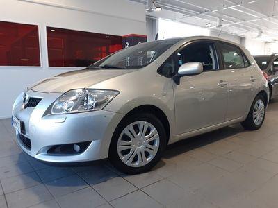 käytetty Toyota Auris 1,6 Dual VVT-i Linea Sol 5ov - **Korkotarjous 1,59%** -