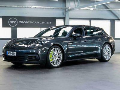 käytetty Porsche Panamera 4 E-Hybrid Sport Turismo - KATSO! Yönäkö, Nelipyöräohjaus, Putkisto, InnoDrive, Täysnahka, PDLS+