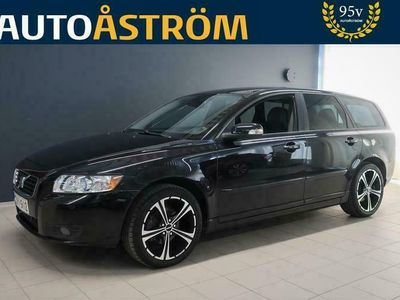 """käytetty Volvo V50 1,6D (110 hv) Summum Business *Suomi-auto* *Xenon* *Nahat* *Koukku* *2x17""""Alut* *Tyylikäs !*"""