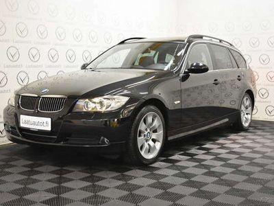 käytetty BMW 325 E91 Touring - Korko 1,89%, Rahoitus jopa ilman käsirahaa! **PDC, Panoraama, Prof.Navi, Sporttipenkit**