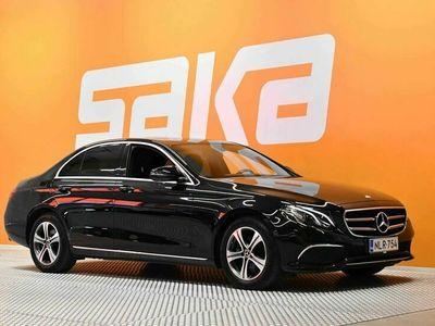käytetty Mercedes E200 A Business ** 1-om Suomi-auto / Facelift / Sporttinahat / P. kamera / Navi / LED **