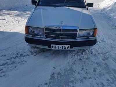 käytetty Mercedes 190 2.0