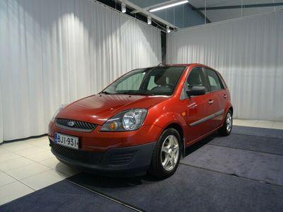 käytetty Ford Fiesta 1,3i 70hv Ambiente 5d