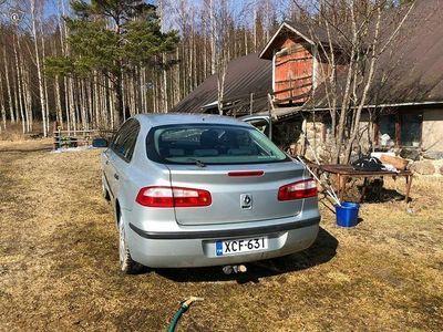 käytetty Renault Laguna 1.8 -03