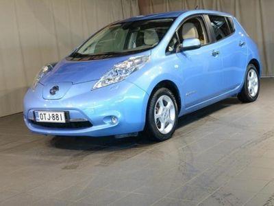 käytetty Nissan Leaf sähköauto automaatti + spoiler