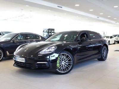 käytetty Porsche Panamera 4 E-Hybrid Sport Turismo Lasikatto, Lämm.ohjauspyörä, PDLS, Tunnelmavalaistus,14-suuntaiset istuimet