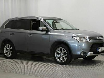 käytetty Mitsubishi Outlander P-HEV 2,0 PHEV Instyle NAVI 4WD 5p.