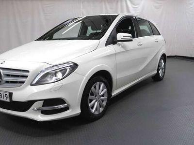käytetty Mercedes B200 c A Premium Business -KAASU/BENSA