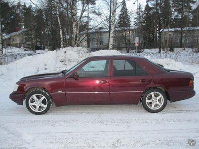 käytetty Mercedes 200