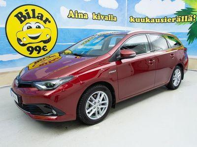 käytetty Toyota Auris Touring Sports 1,8 Hybrid Active Edition - // NAVI / KAISTAVAHTI / JUURI HUOLLETTU / ALV-VÄH.KELPOIN