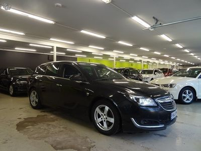 käytetty Opel Insignia Sports Tourer Sport 2,0 CDTI ecoFLEX 103kW OPC-LINE ** Suomi-auto, 1-Omistaja, Navigointi, BI-Xenon,