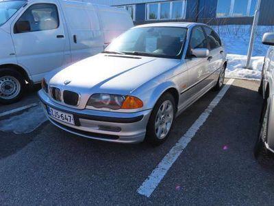 käytetty BMW 318 i 4d