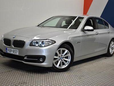 käytetty BMW 520 5-SARJA F10 Sedan d A xDrive Business **Tyylikäs nelikko! Koukku / Lämmitin / Navi / Tutkat**