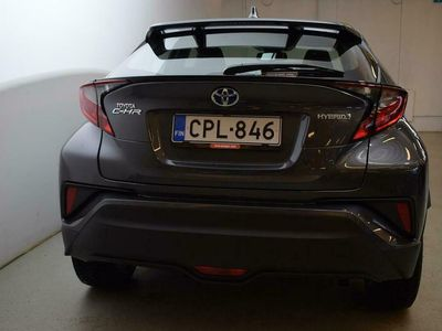 käytetty Toyota C-HR 1,8 Hybrid Active Edition - Katso ajoneuvon Automessu tarjoukset osoitteessa rinta-jouppi.com!