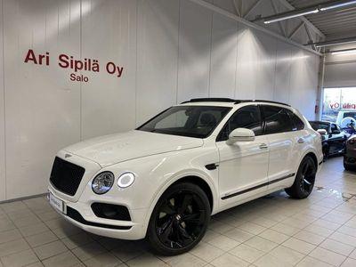 käytetty Bentley Bentayga HUIPPUVARUSTEILLA NÄYTTÄVÄ