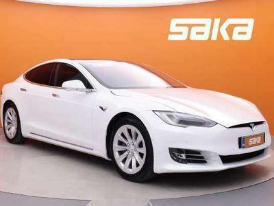 käytetty Tesla Model S 75 Tehdas