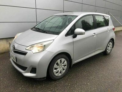 käytetty Toyota Verso-S 1,33 Dual VVT-i S & S Linea Sol A