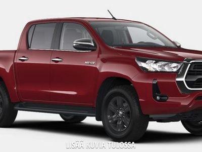 käytetty Toyota HiLux Double Cab 4WD 2,8D Active 2-paikkainen Automaatti - Tähän autoon rahoituskorko vain 0,99%
