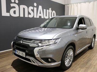 käytetty Mitsubishi Outlander P-HEV Invite Plus 4WD 5P ** 1 omistaja - Vähän ajettu - Navigointi - Vetokoukku - Taloudellinen ** **** LänsiAuto Safe -sopimus hintaan 590e ****