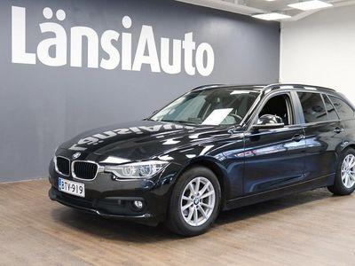 käytetty BMW 318 318 F31 Touring d A Business **Bi-Led Ajovalot, Vetokoukku, Takaluukun Automatiikka, Tutkat** **** Tä