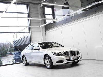 käytetty Mercedes S350 BlueTec 4Matic Aut + Nahat + Navi + HUD + Distronic + LED-valot + Surround View + Vetokoukku