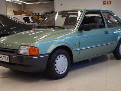 käytetty Ford Escort Hatchback 1,6 GL 3d