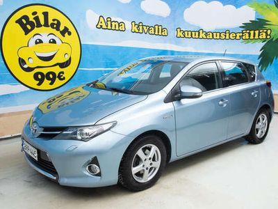 käytetty Toyota Auris 1.8 Hybrid Sports Touring *MERKKILIIKKEEN HUOLTOHISTORIA* *LOHKOLÄMP. + SIS.PISTOKE / P-KAMERA / 2X HUIPPURENKAAT* - *HULLUT AUTOMARKKINAT!!!*