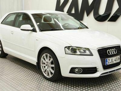 käytetty Audi A3 CC Ambition 1,6 TDI (DPF) 77 kW Start-Stop S line Business