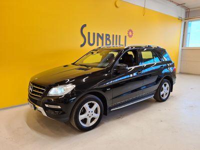 käytetty Mercedes ML350 BlueTec 4Matic Aut. + Webasto + Navi + Nahat + Xenon + Tutkat + BT-audio/puhelin + Vetokoukku