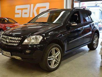 käytetty Mercedes ML280 CDI 4Matic ** AirMatic / Nahka-Alcantara / Sporttipenkit sähkösäädöin / COMAND / Cruise / Xenon