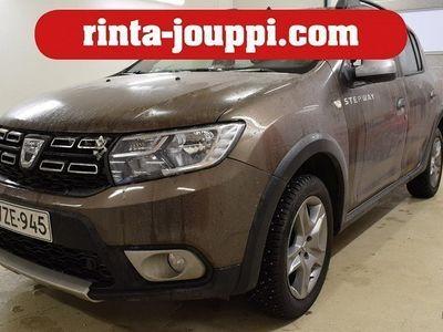 käytetty Dacia Sandero Stepway TCe 90 Easy-R - Siisti ja huollettu korkeampi bensa -, automaattivaihteistolla. Helppo